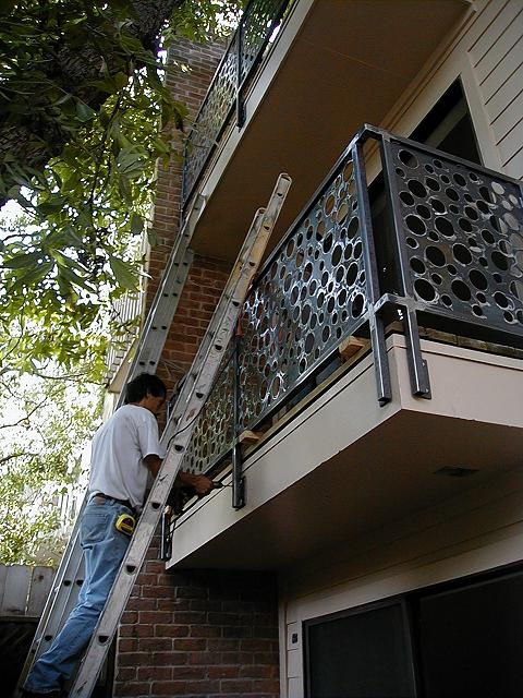 Balcony Railing Ins01