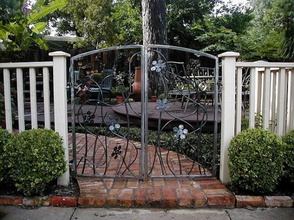 Kolanowski Double Gate